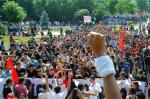 Demonstration_in_the_heart_of_Taksim_square._Events_of_June_3,_2013